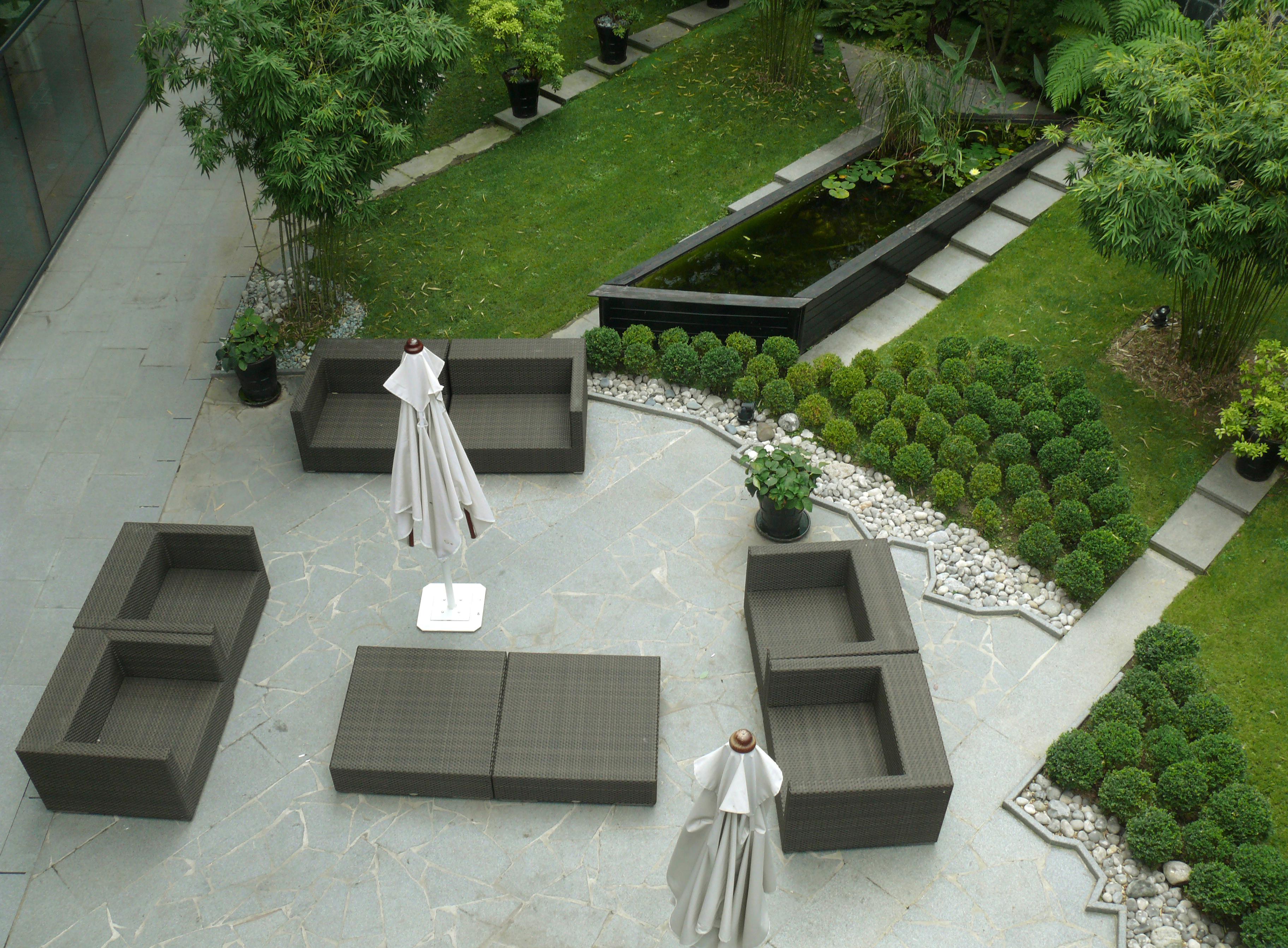 D Jardin vous propose ses services d'entretien de jardins et espaces verts dans le Nord